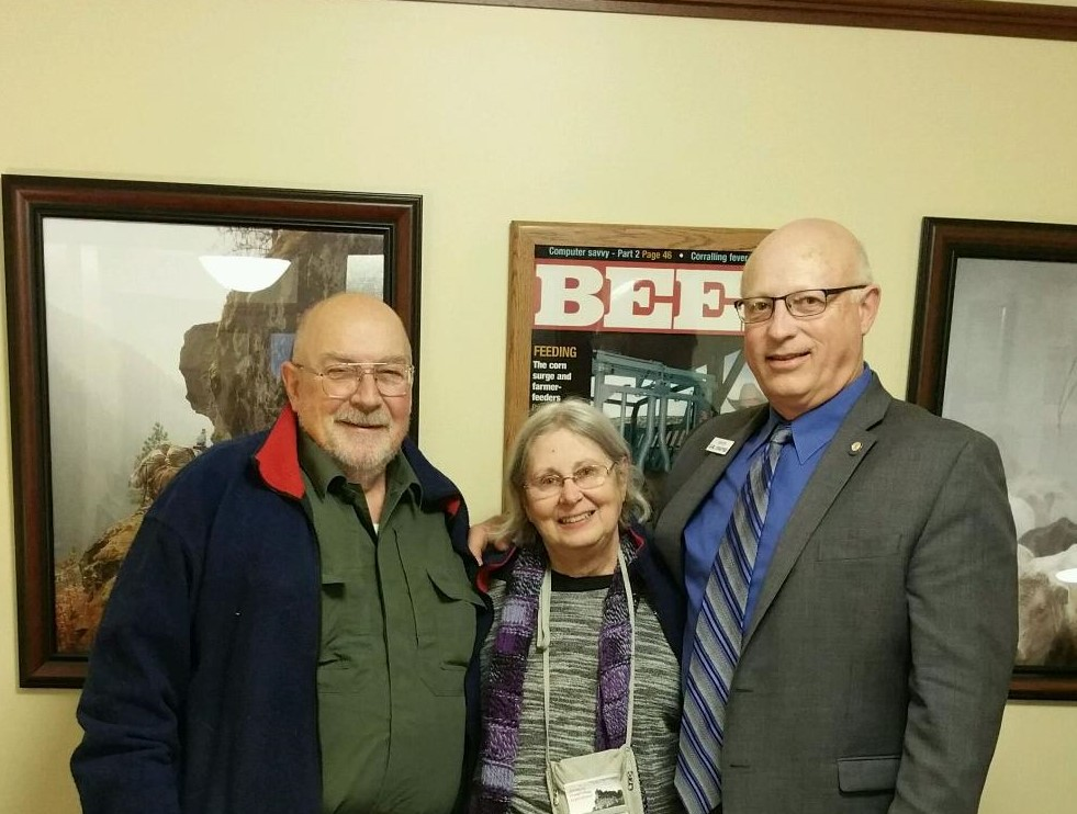 jon and patricia menough with carl crabtree